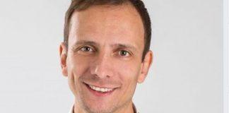 Político italiano antivacunas contrae varicela y termina en el hospital