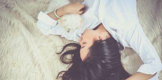 El sueño mejora la concentración, cognición, desempeño, productividad, el rendimiento atlético y la respuesta inmune. Su deficiencia produce el mismo efecto que la intoxicación