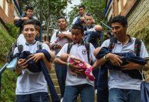"""En Colombia quieren inhibir embarazos adodelscentes con """"bebés robots"""""""