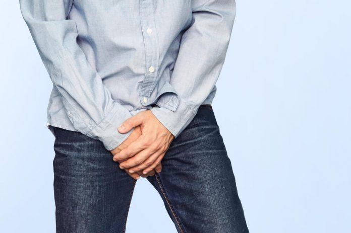 ¿Por qué puede inflamarse el glande y cómo se puede complicar?