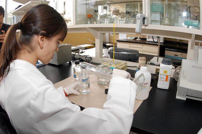 Solamente un 30 por ciento de la ciencia es hecha por mujeres