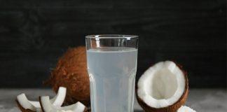 El agua de coco, superalimento accesible, nutritivo y rehidratante