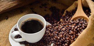 Vinculan exceso de cafeína con migraña