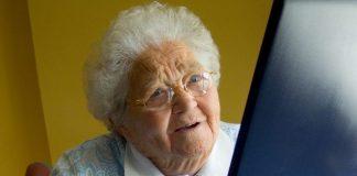 Con estrategias digitales, el IMSS promueve el envejecimiento activo