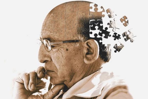 Mayor riesgo de demencia para personas que se marean al ponerse de pie