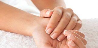 Descubre mezclas naturales que recuperan la fortaleza de las uñas