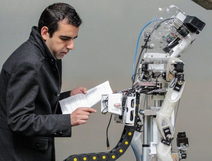 Investigadores de la FES Aragón avanzan en el diseño de robots de servicio