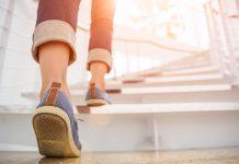 Subir 60 escalones en un minuto indicaría buena salud cardíaca, según este estudio