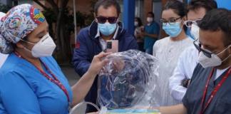 Crean cascos que evitan intubar a pacientes con Covid-19