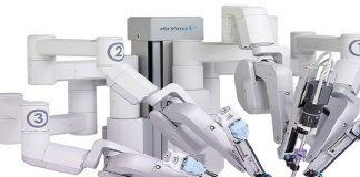 Robot realiza la primera cirugía a una paciente completamente despierto