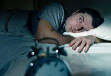 Dormir 6 horas o menos aumenta el riesgo de demencia, alerta estudio