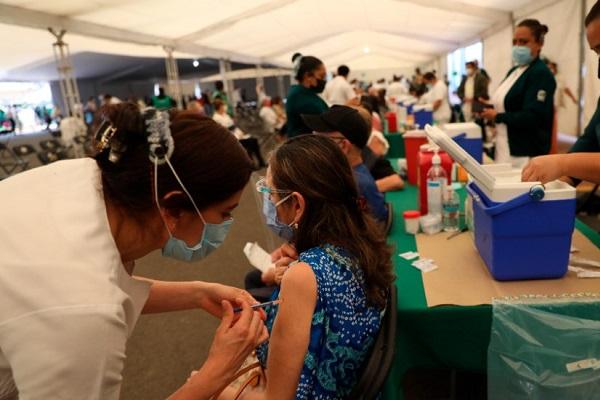 Inicia registro de vacunación en para adultos de entre 50 a 59 años