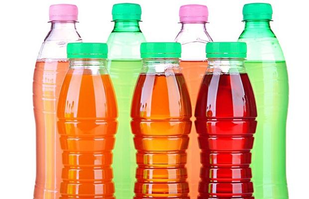 Profeco evidencia bebidas saborizadas con más azúcar que un refresco