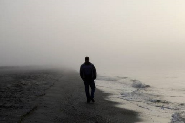 Carecer de vida social es tan dañino como fumar