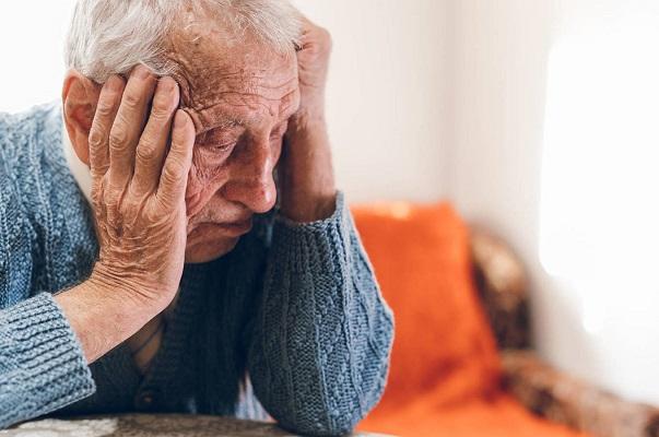 Aprueban primer fármaco en 20 años para tratar el Alzheimer