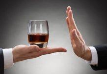 Tomar alcohol parece reducir efectividad de primer dosis de vacuna antiCovid