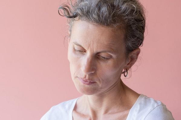 Síntomas de la menopausia duplican el riesgo de dolor crónico